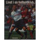 Med udgangspunkt i fodboldklubben AGF fortælles om livet bag kulisserne i en superligaklub. Om træning, administration, trænere og hjælpere, spillere, kontrakter, lønninger samt om weekendens kamp mod Silkeborg.